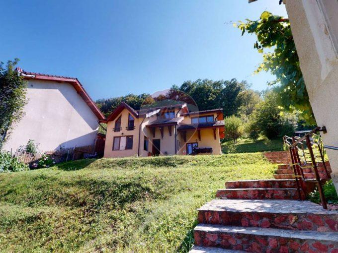 Casă +1869mp teren cu livada +1400 mp padure de vanzare in Geoagiu-Bai